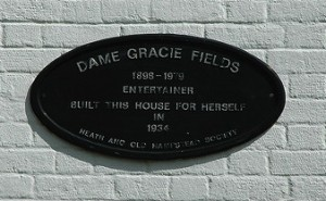 Plaque commemorating Gracie