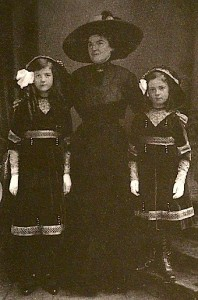 Betty, mother and Edith