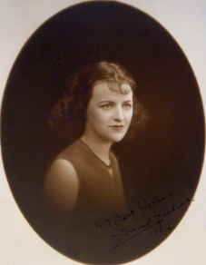 Gracie in 1932 when she left 'Tower' and Archie.