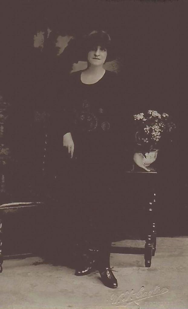 Rose Elizabeth (Lilian) Turner - Rose Bush2 2